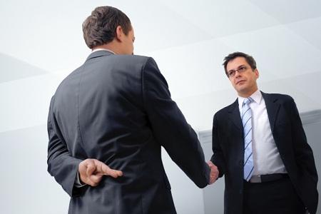 Английский на каждый день: Обман на работе