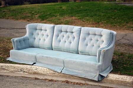"""Слушаем английскую речь: """"Как избавиться от старого дивана"""""""